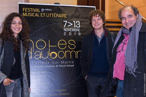 De gauche à droite : Hélène Tysman, pianiste, Jean-Philippe Audoli, violoniste et Serge Barbuscia, comédien, lors de la soirée de présentation Festival Notes d'Automne 2016 au CDBM